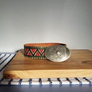 VINTAGE   Hand Painted Southwestern Belt
